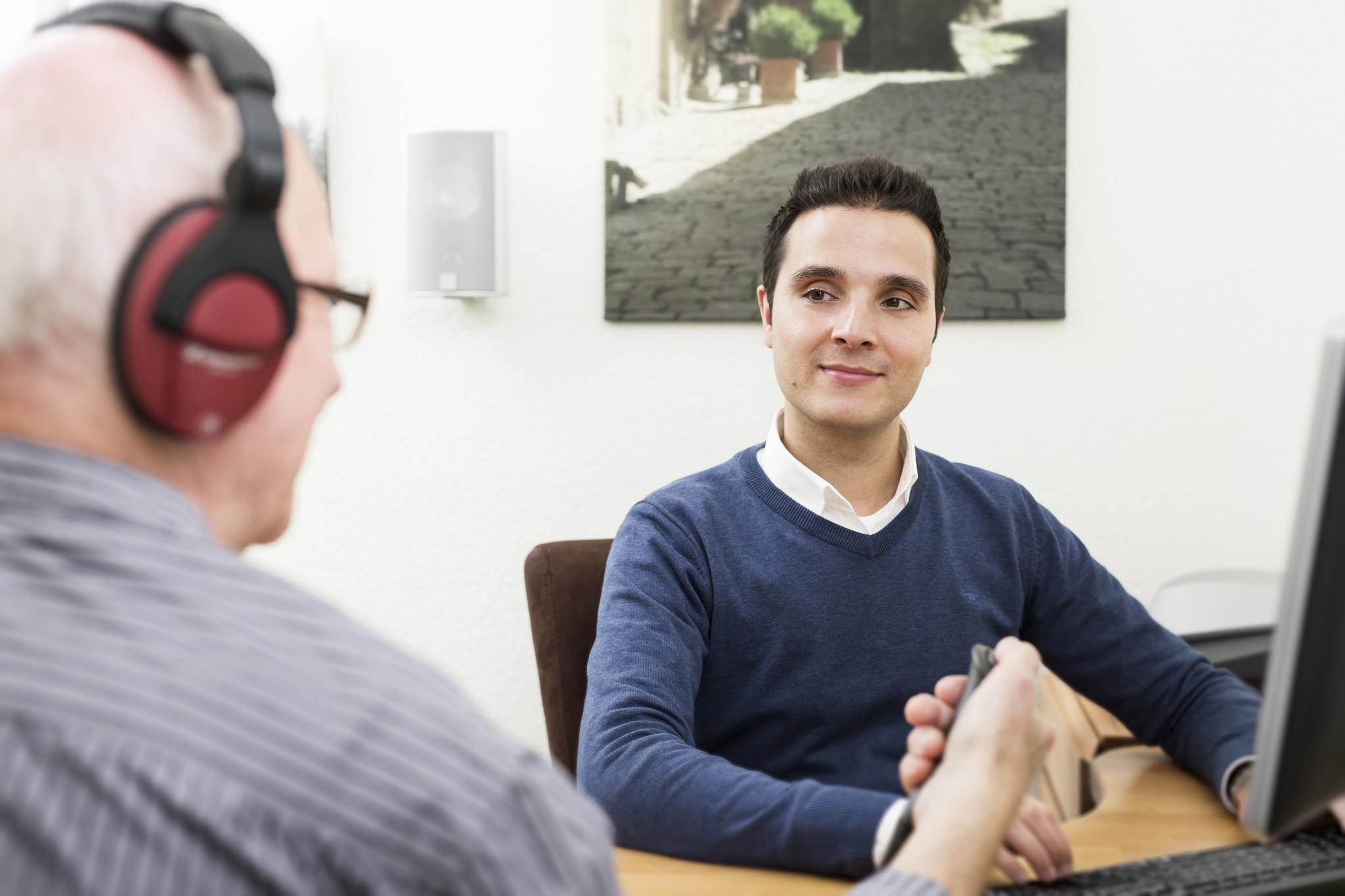 Hörtest beim Kunden und Erstellung der Höranalyse